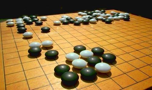 围棋共有几个交叉点?每个交叉点的作用又是什么?