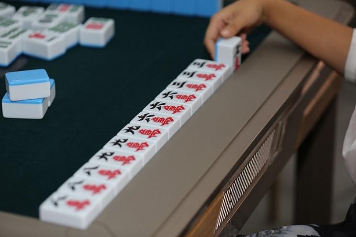 常熟麻将手机技巧也得结合实战牌型