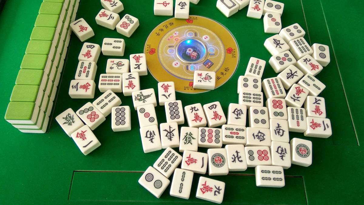 闲暇时刻来下载古田麻将和网上高手一起对战吧!